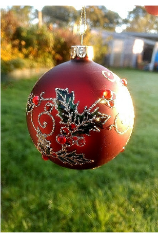 red-holly-Christmas-bauble